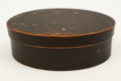 Finger Lap Jointed Antique American Oval Pantry Box with Original Black Paint For Sale
