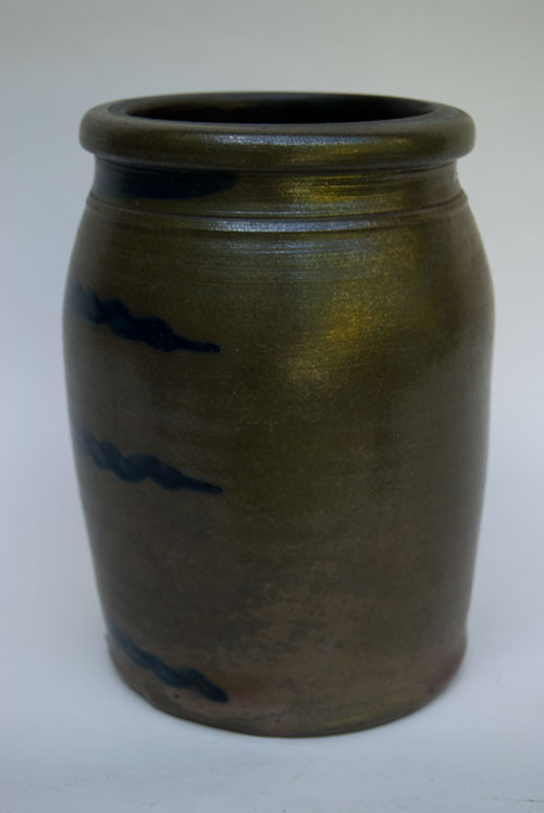 Antique American Pennsylvania Salt Glaze Striper One Gallon Stoneware Crock For Sale