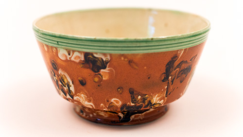 19th Century Mochaware Bowl with Agate Marbelized Decoration