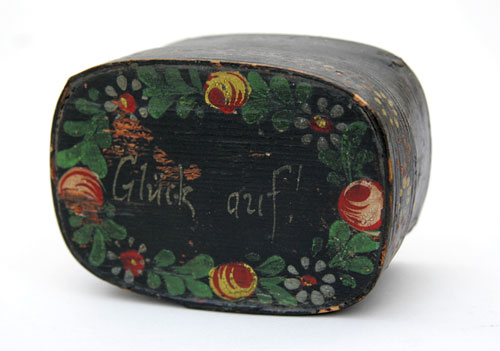Pennsylvania Dutch Painted Box  Glück ouf! German miners common greeting.