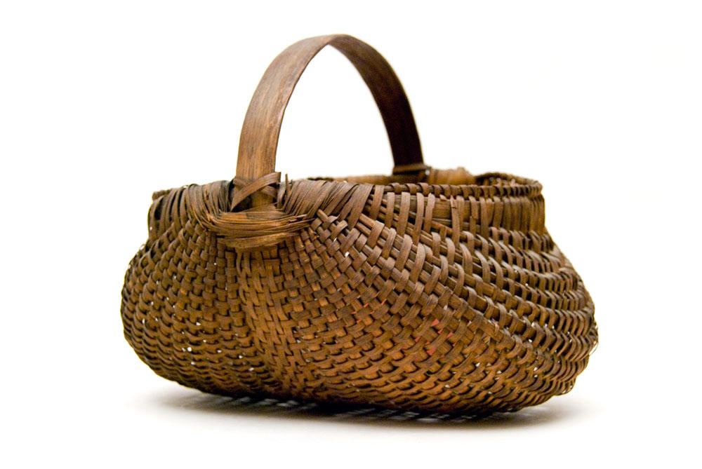 Handmade American Baskets : Antique buttocks basket american late th century