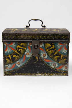 Rare Berlinware Early American Paint Decorated Document Box in Rare Blue Ground, Group Four Berlin Conneticut 19th Century Toleware Tinware for Sale
