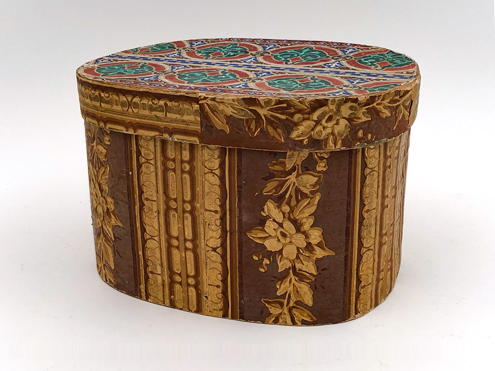 Antique Folk Art  Early American Wallpaper Box For Sale