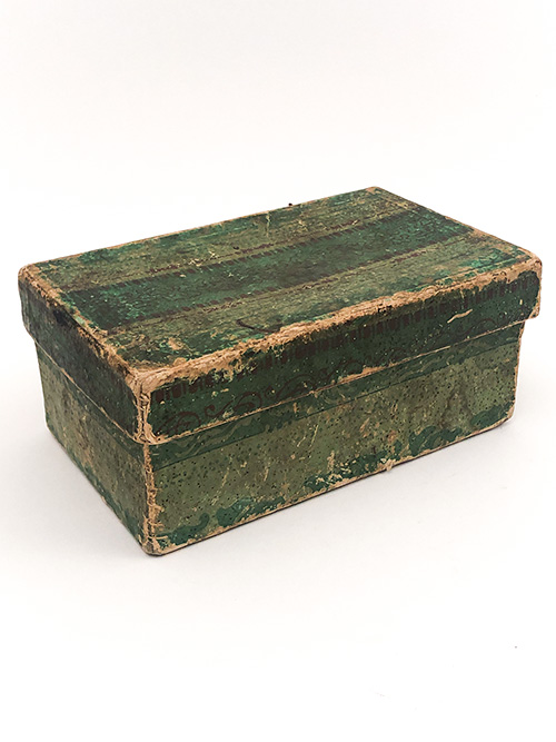 antique wallpaper box green lidded rectangular shape 19th century 1800s