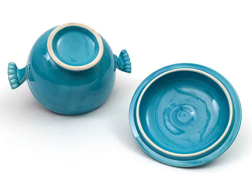bottom unmarked fiestaware turquoise onion soup bowl